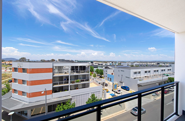 1 Bed + Study 79/2 Hinder Street, ACT 2912