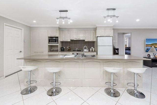 64 Hemsworth Ave, NSW 2171