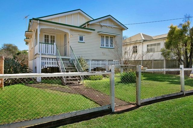 12 Windsor Street, Hamilton QLD 4007