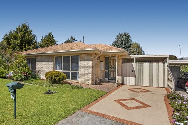 1/17 Jandarew Court, Kilmore VIC 3764