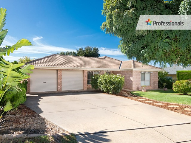 7 Willang Crescent, Glenfield Park NSW 2650