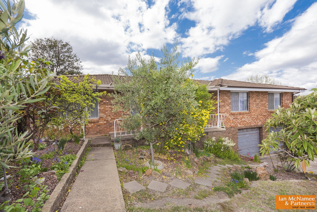 6 Camellia Place, NSW 2620