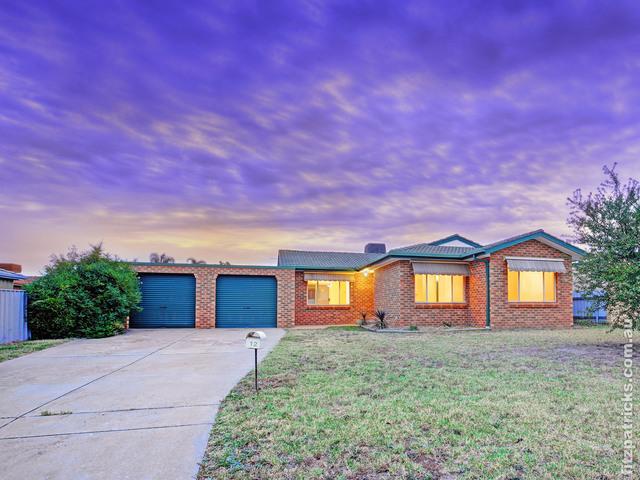 12 Bamarook Crescent, Glenfield Park NSW 2650