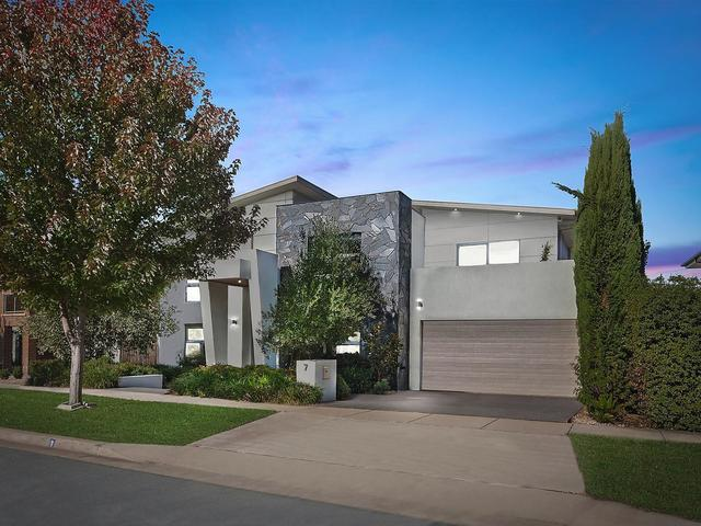 7 Ray Ellis Crescent, Forde ACT 2914