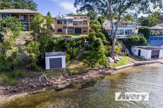 73 Fishing Point Road