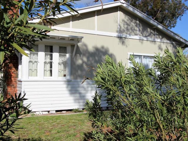 11 Midgeon Street, Narrandera NSW 2700