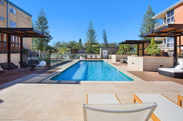 2/70-72 The Esplanade, Burleigh Heads QLD 4220