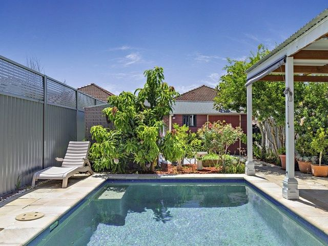 482 Lyons Road West, NSW 2046
