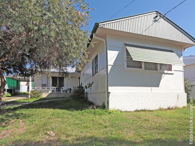 102 Grove Street, Kooringal NSW 2650
