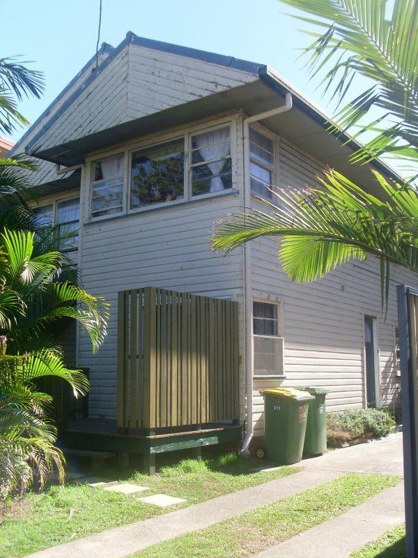 2/211 Boundary Street, Coolangatta QLD 4225