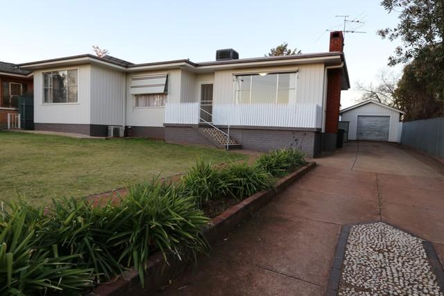 31 Redmond Street, Temora NSW 2666