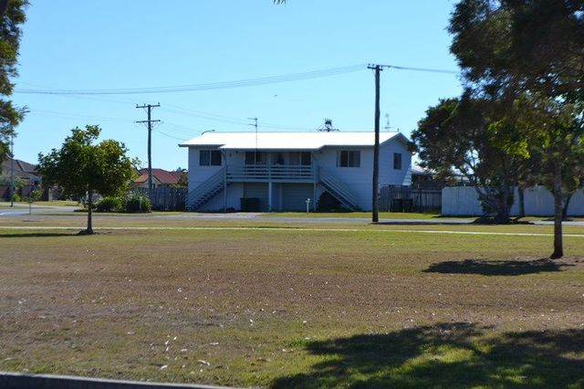 15A and 15B Murphy Street, Point Vernon QLD 4655
