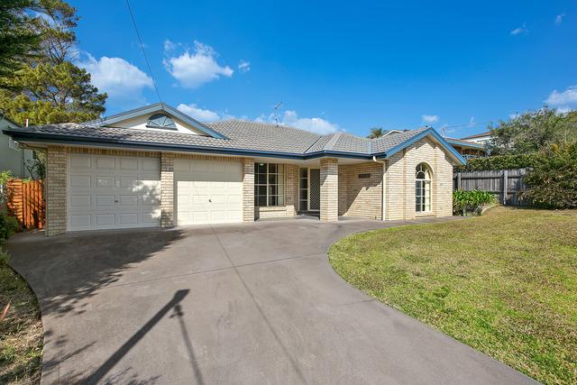 11 Wave Street, Tuross Head NSW 2537