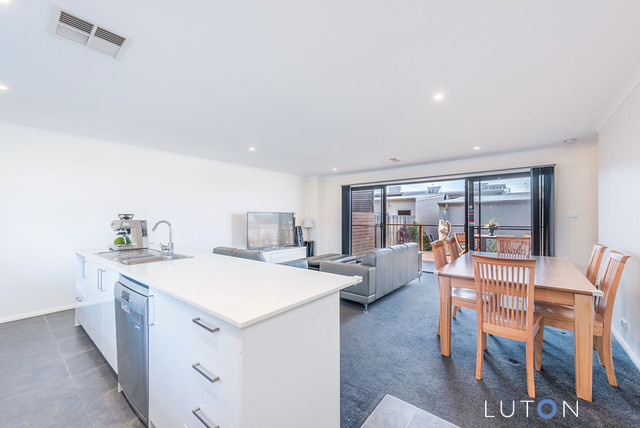 20 Taggart Terrace, Coombs ACT 2611