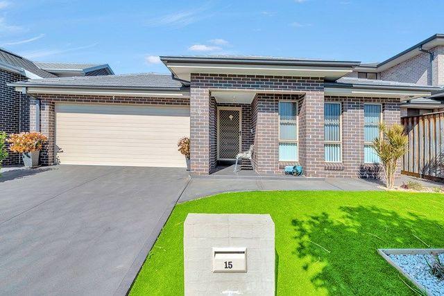 15 Brinsmead Avenue, Middleton Grange NSW 2171