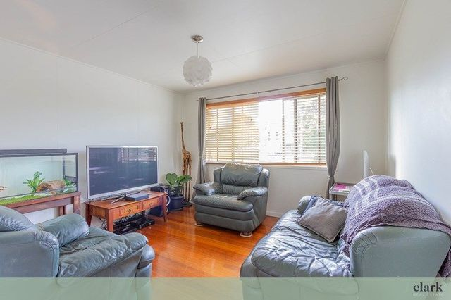 2/11 Bringelly St, Arana Hills QLD 4054