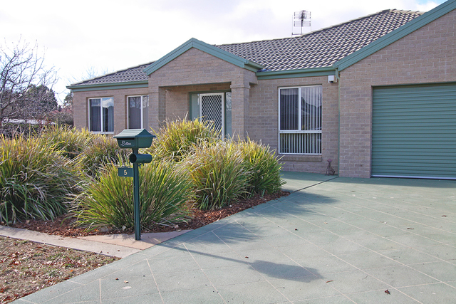 5 Birch Drive, Bungendore NSW 2621