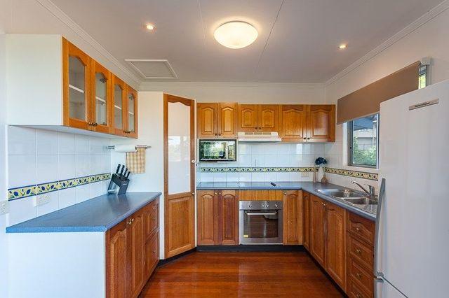 70 Yanderra, Arana Hills QLD 4054