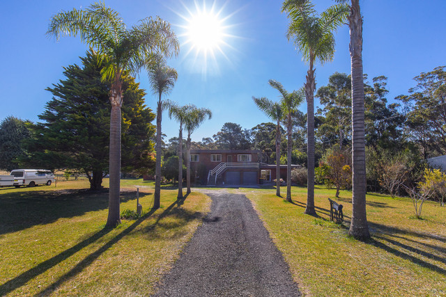 49 Princes Highway, Lake Tabourie NSW 2539