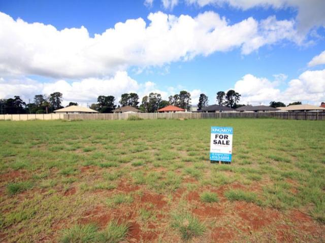 33 Oasis Drive, Kingaroy QLD 4610