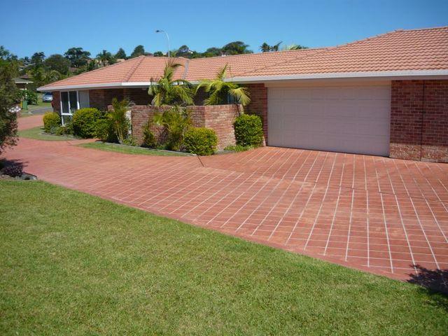Villa 1/8 Wills Court, Forster NSW 2428