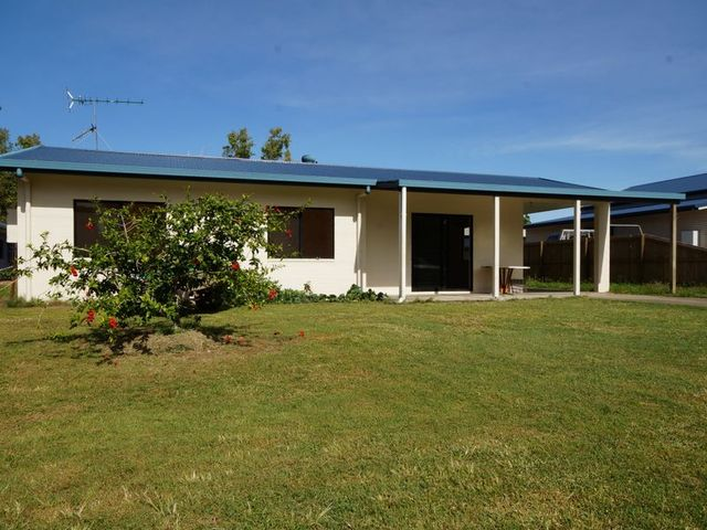 110 Tully Heads Road, Tully Heads QLD 4854
