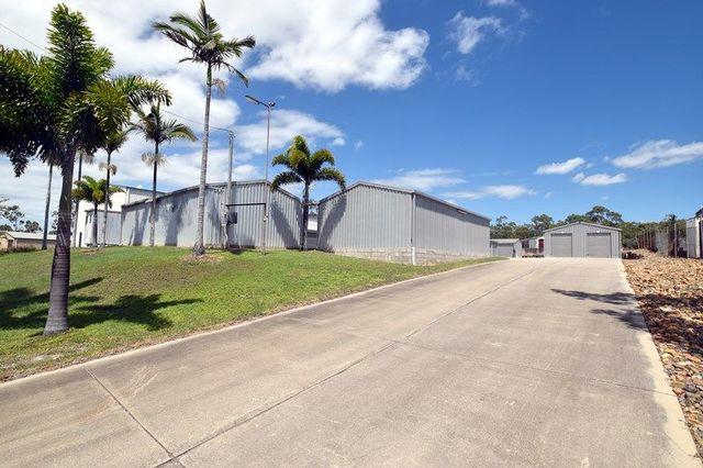 11 Dennis Street, Boyne Island QLD 4680