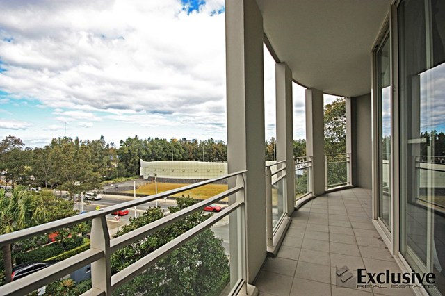 Level 4, 403/1 The Piazza, Wentworth Point NSW 2127