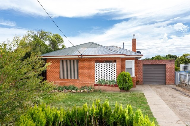 91 Bolger Avenue, Mount Austin NSW 2650