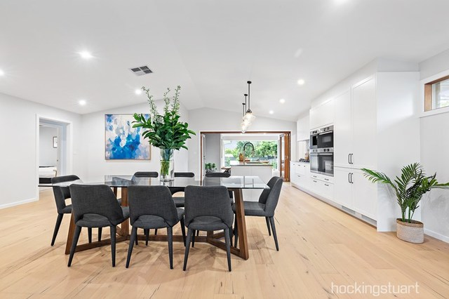 70 Roborough Avenue, Mount Eliza VIC 3930