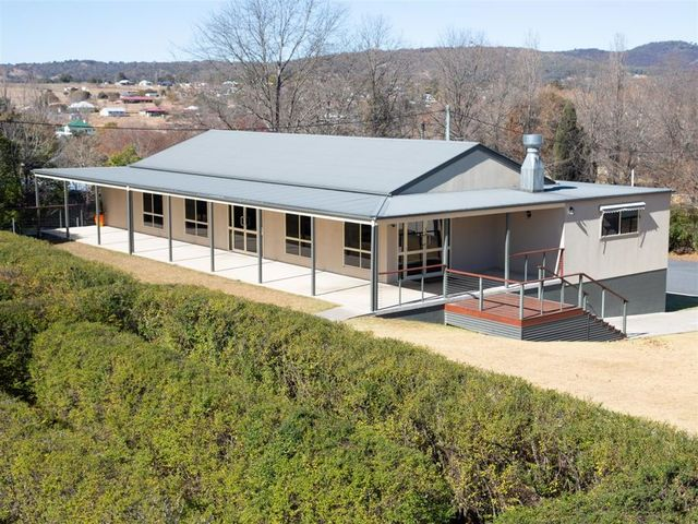 60 Polworth Street, Tenterfield NSW 2372