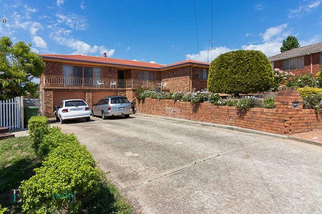 5 Hovea Place, Crestwood NSW 2620