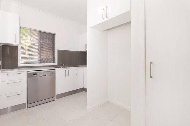 4/1 Backhouse Street, QLD 4031
