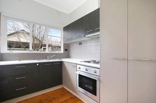 2/393 Griffith Road, Lavington NSW 2641