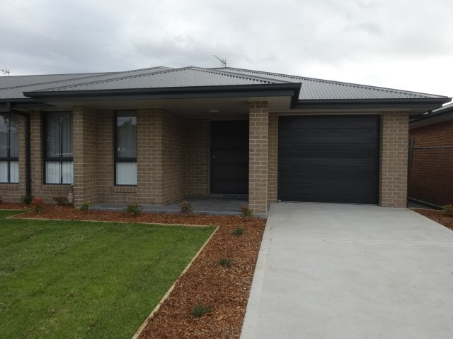 2/3A Curry Street, Aberdare NSW 2325