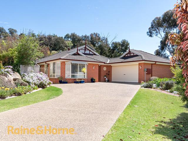 6 Keane Place, Kooringal NSW 2650