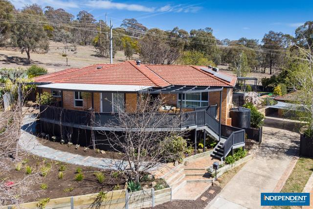 8 Huon Place, Lyons ACT 2606