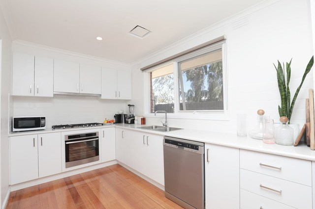 4/2a Keefer Street, Mordialloc VIC 3195