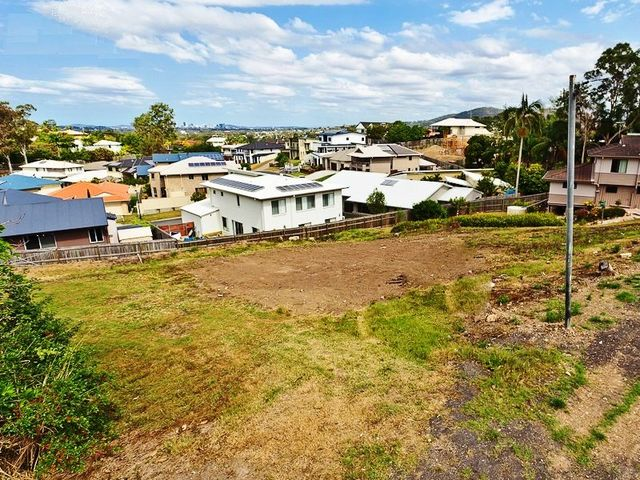 1135 South Pine Road, Everton Hills QLD 4053