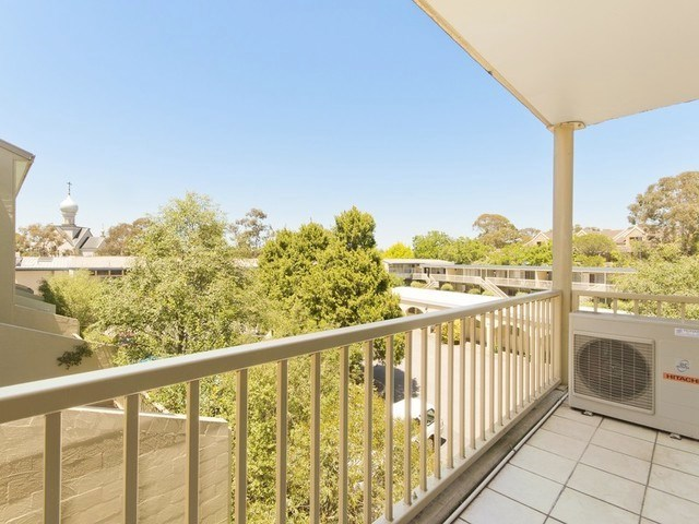 52/53 McMillan Crescent, Griffith ACT 2603