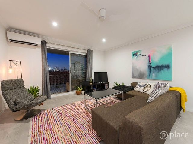 14/558 Logan Road, QLD 4120