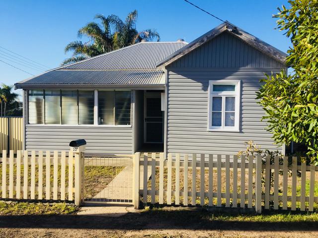 33 Flett Street, Taree NSW 2430