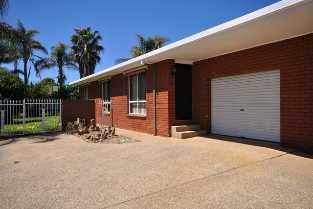 2/482 Heriot Street, Lavington NSW 2641