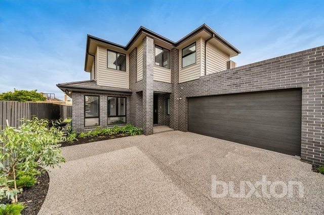 2/49 Golf Links  Avenue, VIC 3166