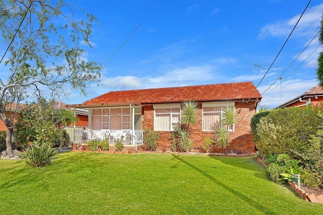 4 Frazer Place, Birrong NSW 2143