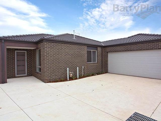 2/5 Fishburn Grove, Melton VIC 3337