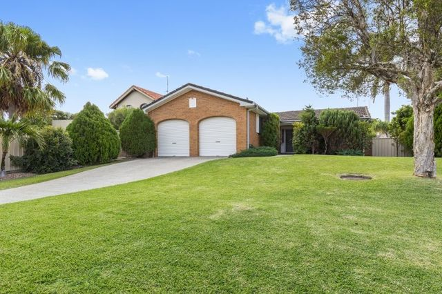 15 Dunbarton Avenue, Sorrento QLD 4217