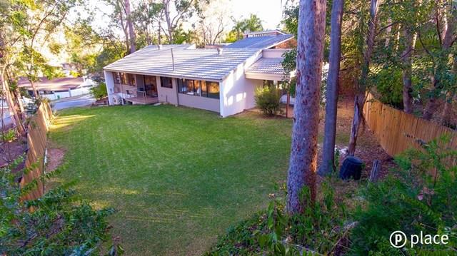 7 Star Place, Chapel Hill QLD 4069
