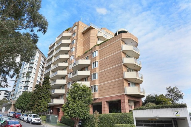 23/2 Pound Road, Hornsby NSW 2077