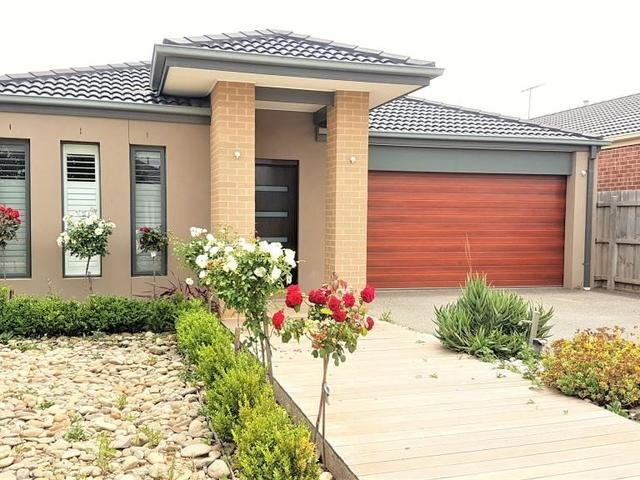 10 Synergy Court, Taylors Hill VIC 3037